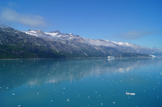 BPO 2013 Passing a cruise ship in Glacier Bay ShawnVoyages Best Pictures of 2013