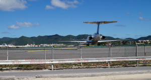 Airplanes-and-Beaches-in-St.-Maarten-Airplane-taking-off-at-Princess-Juliana-Airport